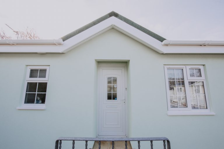 Pitwell external wall insulation around windows